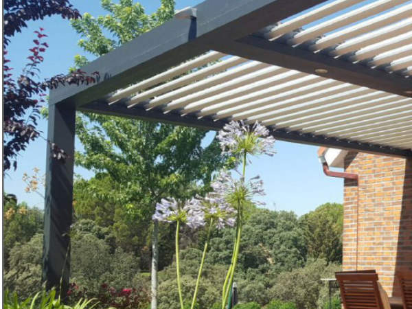 the bioclimatic pergola is the perfect solution to cover a patio