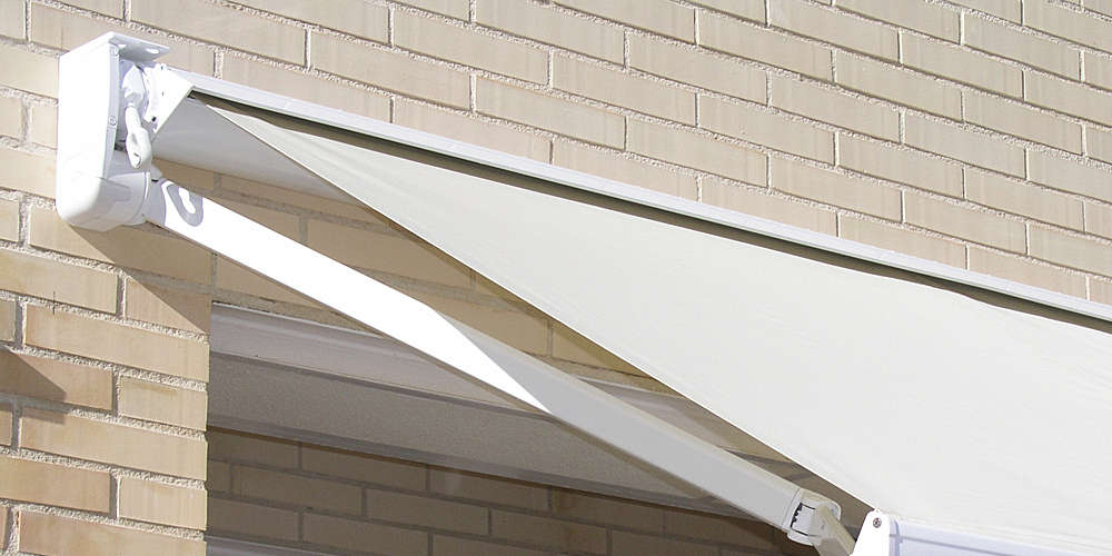 retractable arms awning with semibox