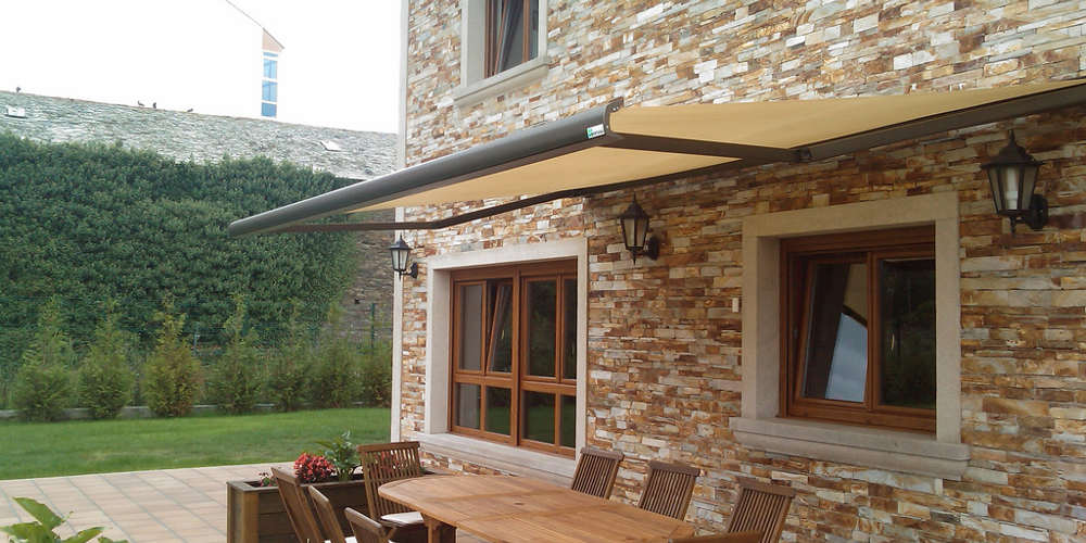 retractable arms awnings with box for patios
