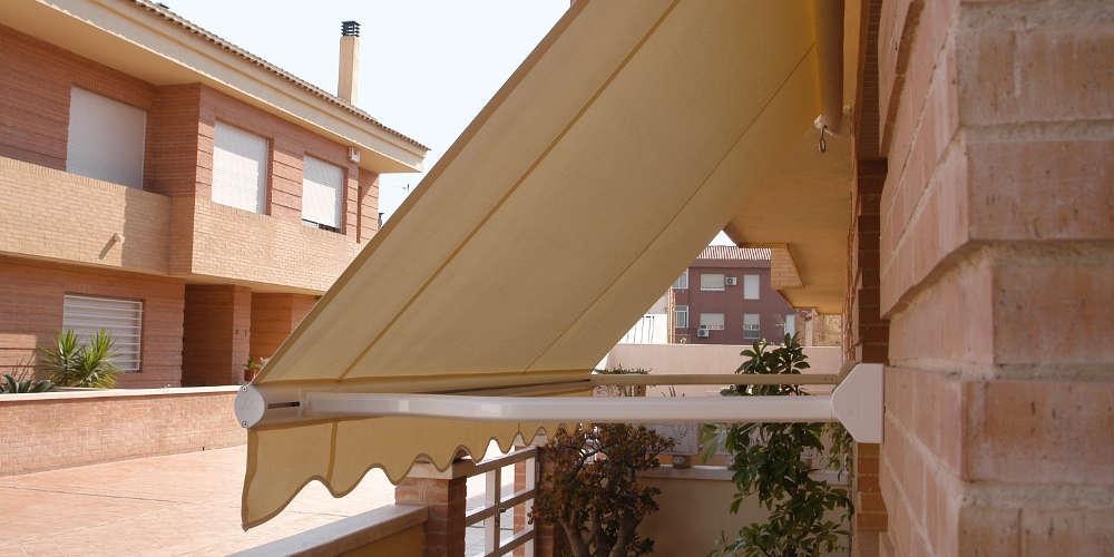 Toldos para ventana toldo con cofre manual para terraza for Brazos para toldos precios