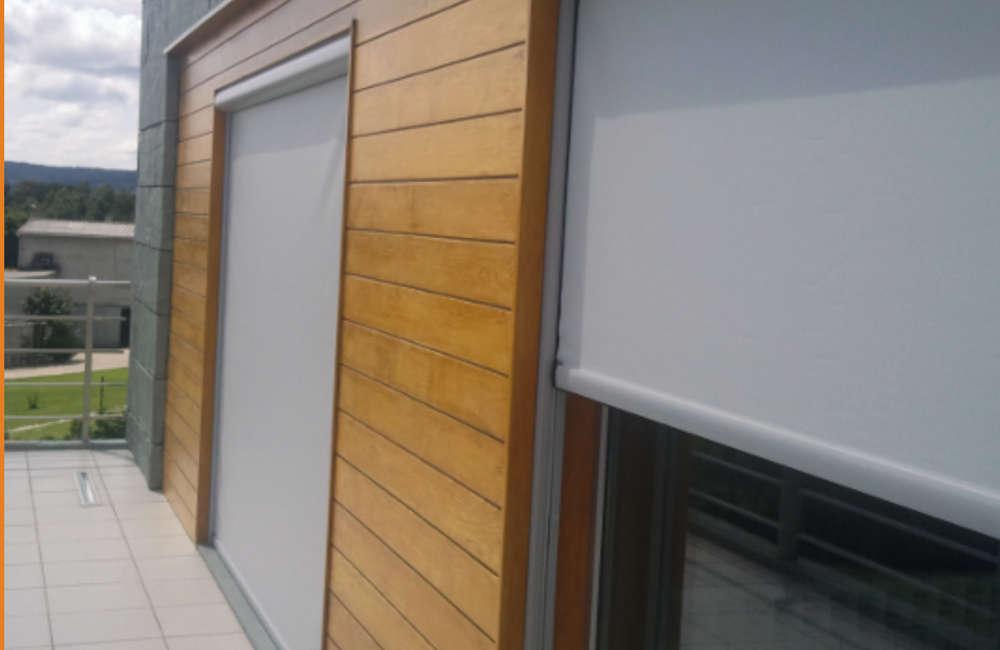 Toldos verticales para ventanales y cristaleras hng for Toldos verticales transparentes precios